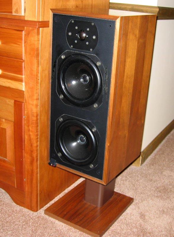 Bu0026W DM14 Speakers