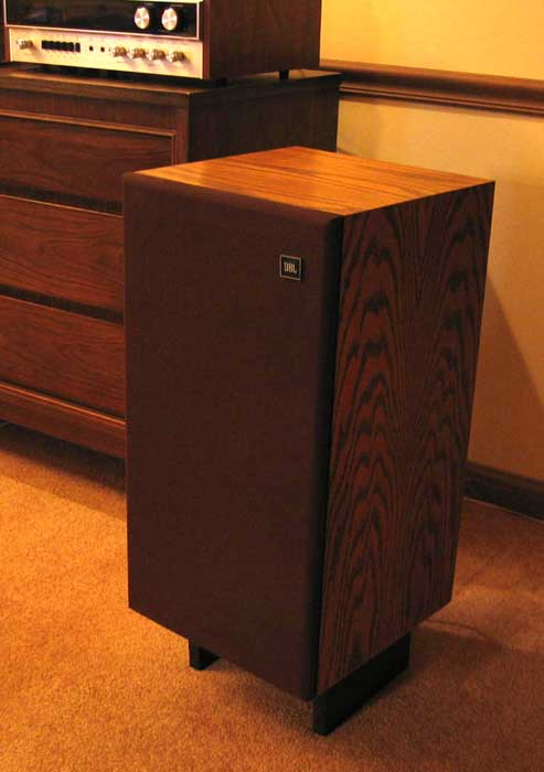 Merveilleux JBL L26 Speakers